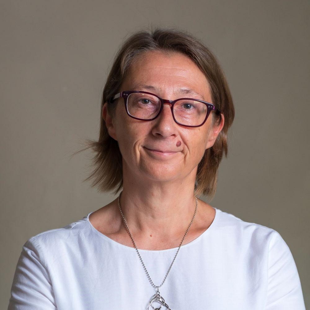 Dott.ssa-Enrica-Carli-Psicologa-Specializzata-in-Psicoterapia-Sistemico-Relazionale